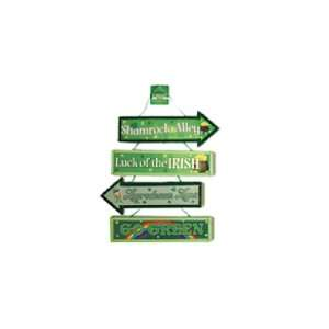 St. Patricks Day Wood Signs Case Pack 72   679645
