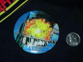 Def Leppard DL Pyromania Vtg Tour Hat Pin Button Pinback Rock Badge