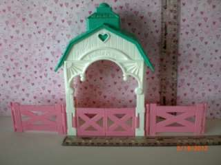 Loving Family Dollhouse Green Roof Stable with Fences Railings