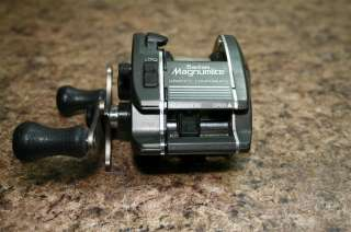 This is a previously owned Shimano Bantam Magnumlite Baitcasting Reel