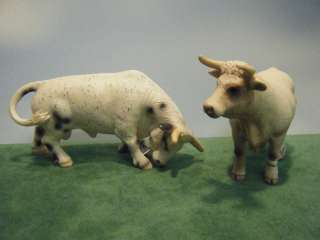 SCHLEICH RETIRED RODEO BULL #13613 & CHAROLAIS COW #13610 SET OF 2