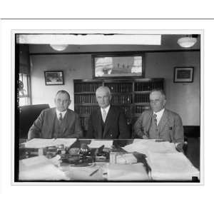 Husband, Robe Carl White and Harry E. Hull, 5/13/25: Home & Kitchen