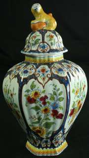 ANTIQUE 1920 DELFT MAJOLICA GINGER JAR BY OUD, FLORAL WITH CAT OR LION