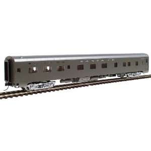 Streamlined 6 6 4 HO Scale Sleeper   Assembled Santa Fe: Toys & Games