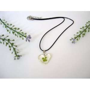 Four leaf Lucky Clover Necklace with Real Four leaf Clover