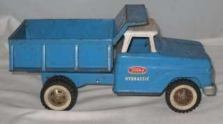 VINTAGE 1960s TONKA BLUE PRESSED STEEL HYDRAULIC DUMP TRUCK