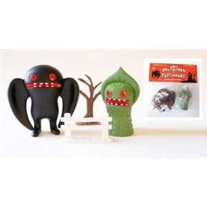 Mothman vs. Flatwoods Monster Super Market Toy Play Set: Toys & Games