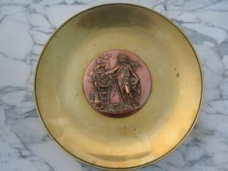 PLAT COUPE BRONZE 19eme decor FEMME DEESSE barbedienne?
